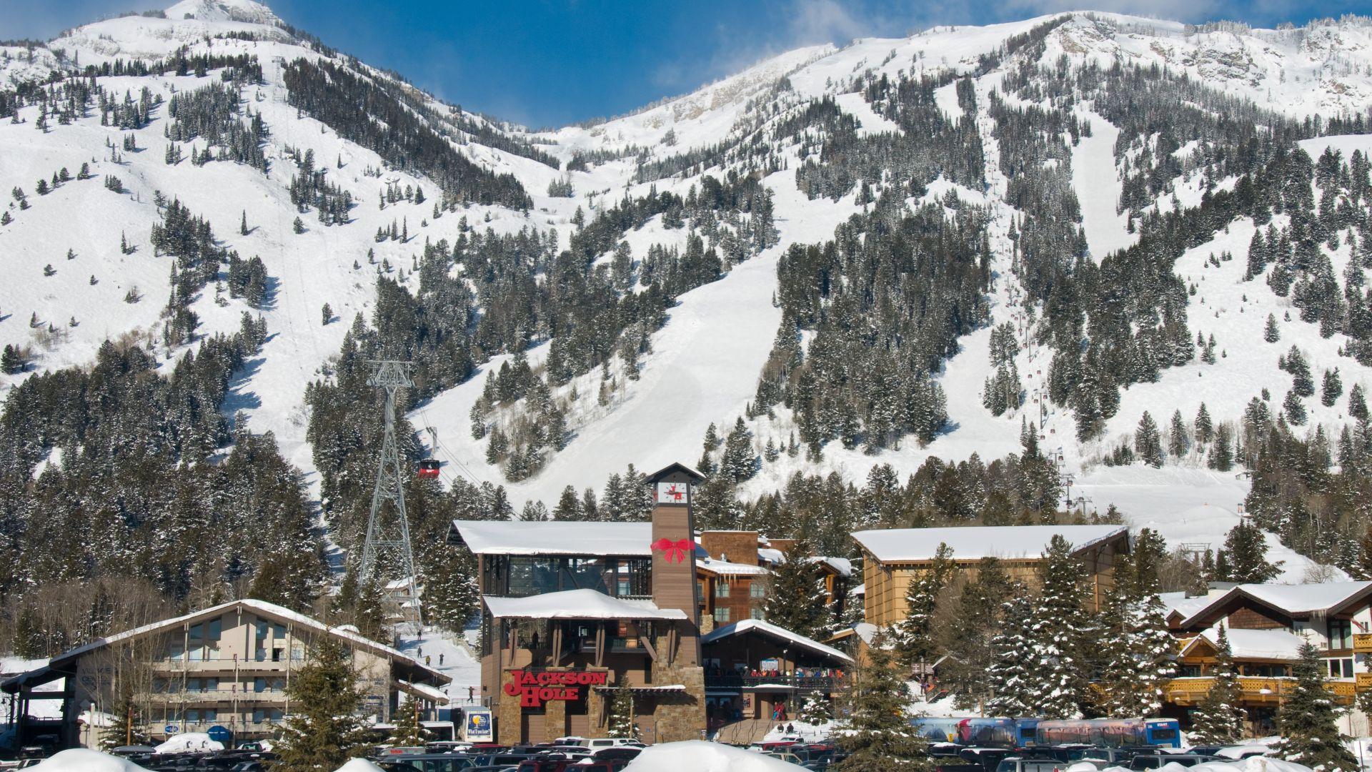 5 scenic ski resorts to visit on the west coast - ergogenics nutrition